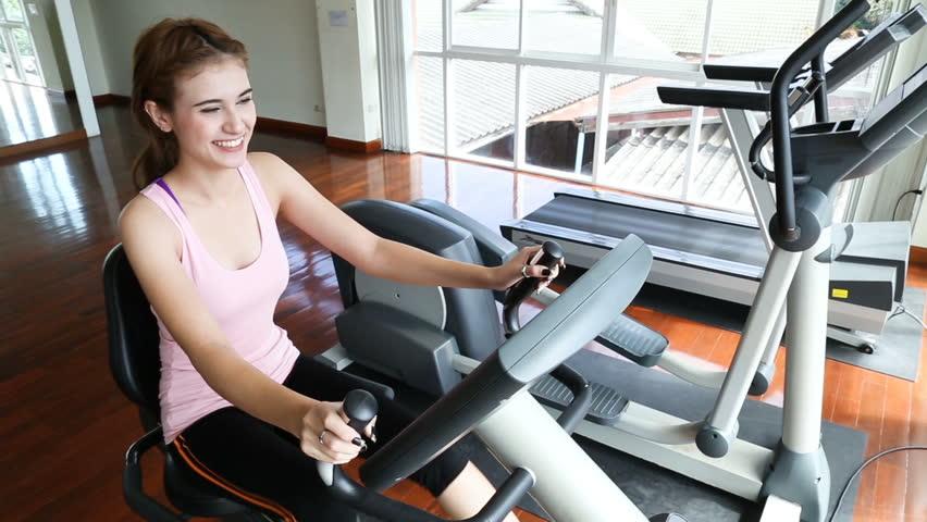 """お腹痩せ・ダイエットはエアロバイクで決まり!?効果とおすすめメーカー""""アルインコ"""""""