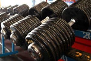 高重量を扱わなくても効果的にしっかり鍛えることができる!