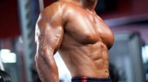 """デクラインベンチプレスは大胸筋下部だけではなく""""大胸筋全体""""にも効果的な種目"""