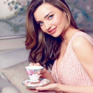 ミランダ・カーも愛飲!レモン水の魅力的な効果9選