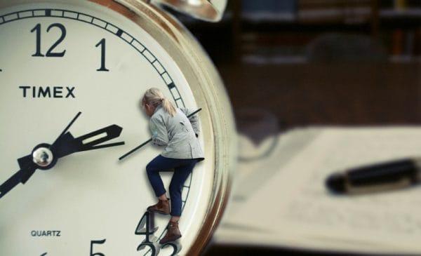 テストステロン値減少を防ぐ方法②筋トレ時間は1時間に