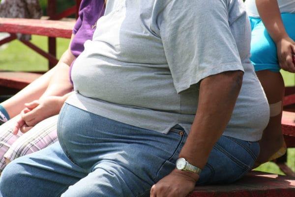 ぽっこりお腹の原因4選 皮下脂肪・内臓脂肪が付いている