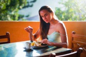 うっすら腹筋を割るための食事メニュー