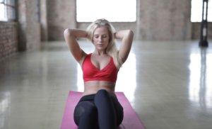 自重の腹筋では「呼吸」が一番大切!