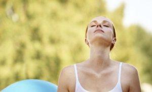 ダンベルレッグカールのコツ  「呼吸を意識する」