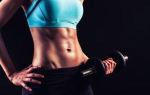 ダンベルを使用した腹筋トレーニングでより効果的なトレーニングセット・テクニック