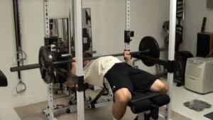 パワーラックのデメリット③「高強度・高負荷なトレーニングを一人で行う状況」