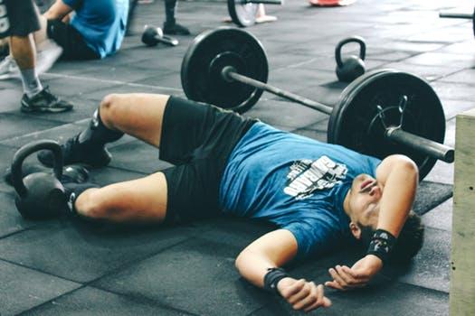 筋肉がつかない理由④「オーバートレーニングしてしまっている」