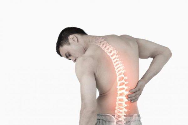 腰痛が引き起こされる「3つ」の原因