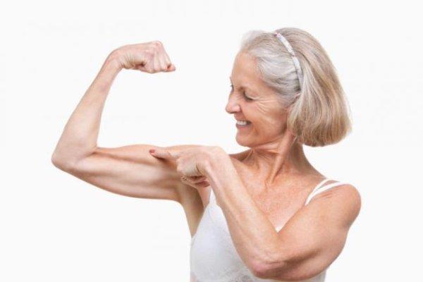 高齢者が筋トレをすることで得られる効果①:筋量・筋力が増加する