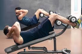 シットアップベンチの効果①「足パッドによる筋トレの質向上」