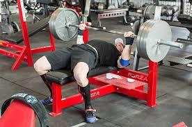 ベンチプレスの地力を高めるトレーニング法②「メインセット数を最低でも5セット理想は8セット」