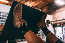 レッグプレスを効果的に効かせるポイント③「両足を上方にセットする」