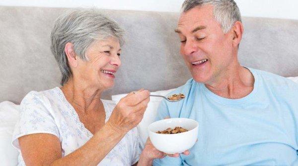 高齢者におすすめしたいサプリメント(栄養補助食品)をご紹介!