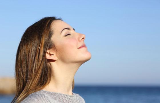 ハンギングレッグレイズでは「呼吸」が一番大切!