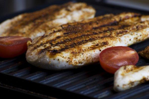 腹筋を割るために必要な栄養素①タンパク質