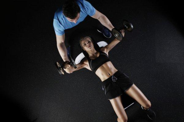 高校生が筋トレを行うときの注意点①重量を重くし過ぎない