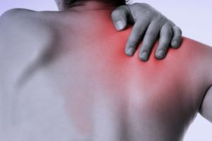 ミリタリープレスの効果的なコツ④「肩・手首に痛みを感じる場合は、ダンベルを利用する」