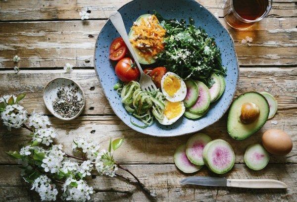 痩せやすくなる食べ方!食べる順番を意識する