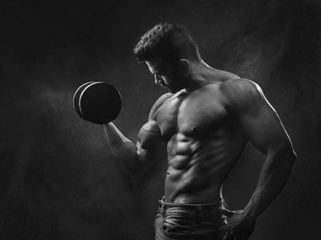 ダンベルカールの男女別の平均重量