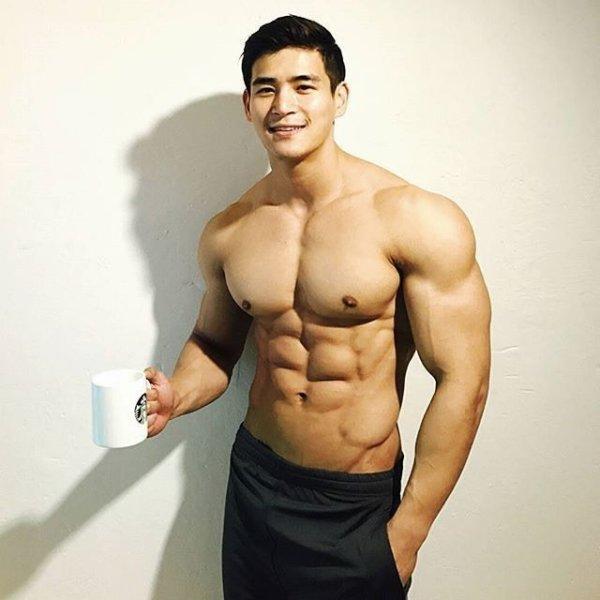 ラテラルレイズの筋トレ効果①「肩幅を大きくすることができる」
