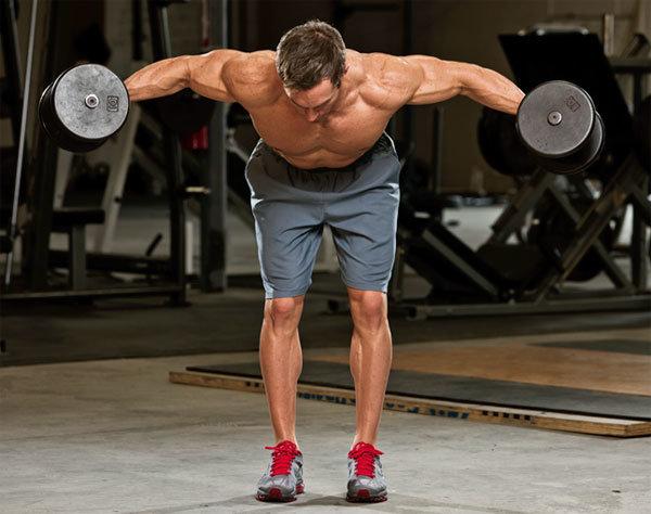 リアデルト(三角筋後部)を効果的に鍛えるコツ②「肩甲骨を寄せすぎない」