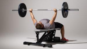 筋肥大・筋力増強に効果があるコンパウンド種目①「バーベル・ベンチプレス」