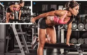 トライセプスキックバックの効果的なコツ④「肘の位置を固定したまま動作する」