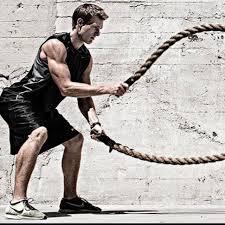 バトルロープトレーニングの効果的なコツ③「ロープで大きな波を作り続ける」