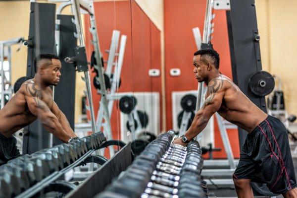 二の腕の変化を実感できる4つの筋トレ方法