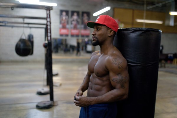 二の腕の筋肉を理解して変化を実感!二の腕に特化した4つの筋トレ方法