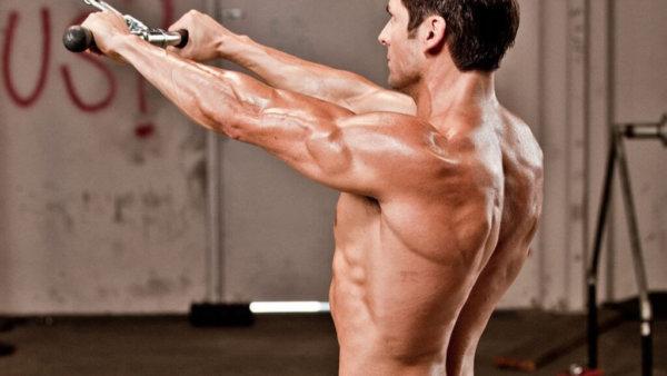 ストレートアームプルダウンの効果的なコツ③「広背筋のストレッチ(伸展)を意識する」