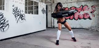 ブルガリアンサンドバックの効果②「全身の筋肉を効率的に鍛えることができる」
