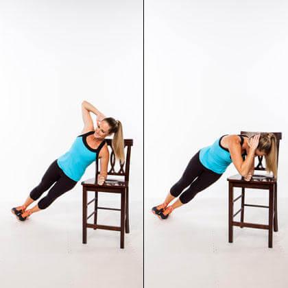 椅子を使って取り組める効果的な種目⑩「チェア・サイドプランククランチ」