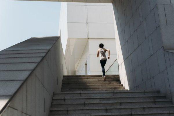 階段を利用したトレーニングのメリット①「無料で利用できる」