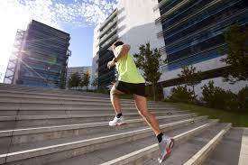 「階段」を利用したトレーニングの注意点