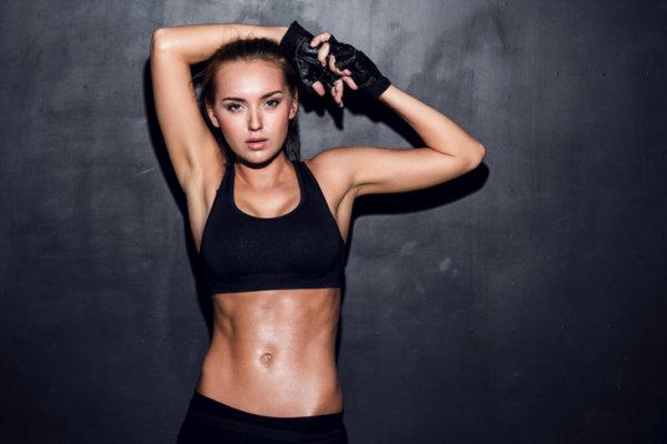 筋トレで筋肉を鍛える