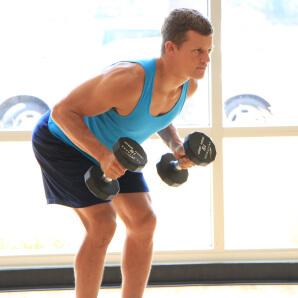 上腕三頭筋にダンベルがおすすめな理由③「自宅でのトレーニングで取り組みやすい」