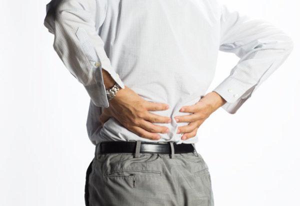 """脊柱起立筋を鍛える効果とメリット③「筋力不足が原因の""""腰痛""""の改善に効果的」"""