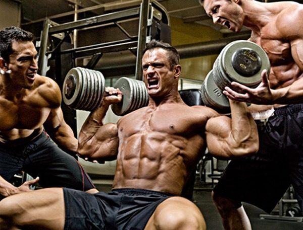 ネガティブ重視筋トレの効果・メリット②「通常では扱えない高重量を利用できる」