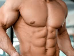 大胸筋下部を鍛えるメリット・効果①「クッキリとした胸板を作れる」