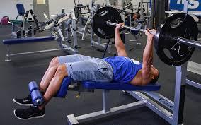 大胸筋下部の筋トレ効果を高めるコツ④「アイソレーション種目で追い込んでいく」