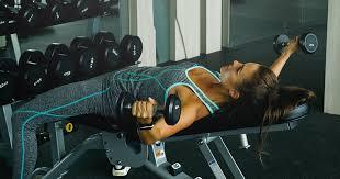ダンベルフライで十分に大胸筋を最大伸展させるコツ