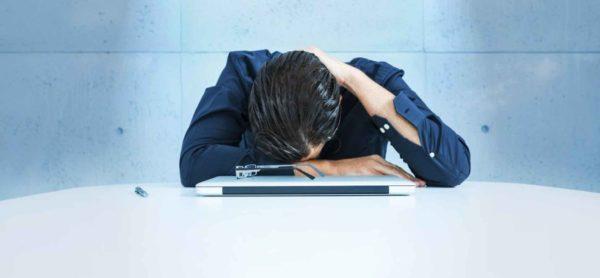 筋トレ後にやると逆効果なこと④「睡眠不足」
