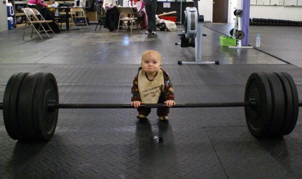 筋トレ初心者がやってしまいがちな間違い⑧「自分に見合っていない高重量を扱う」