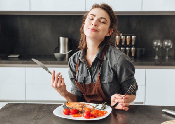たばこによる食事への影響③「味覚・嗅覚を鈍くする」